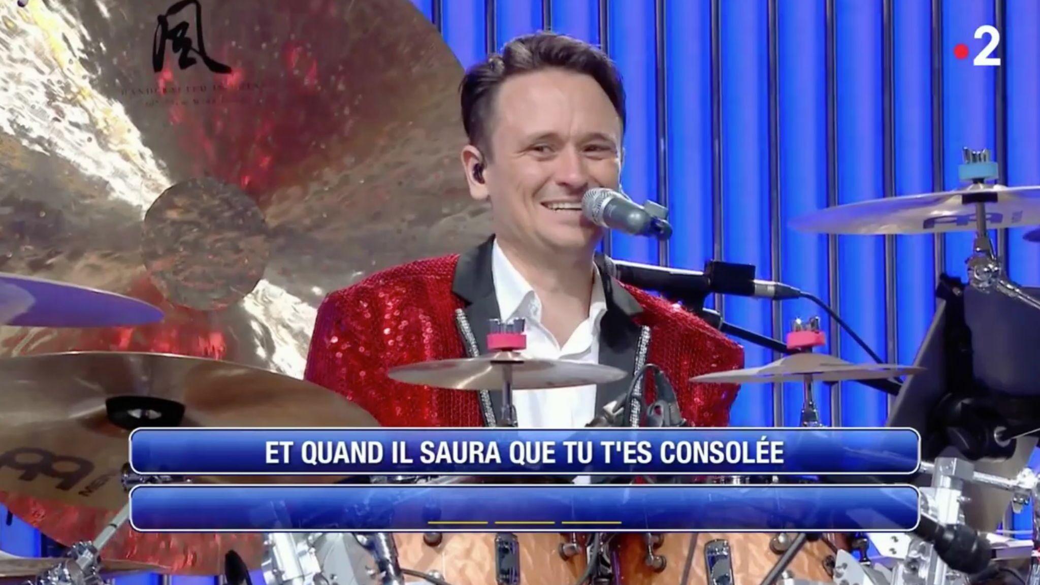 VIDEO N'oubliez pas les paroles : l'énorme boulette de Damien, le nouveau choriste de l'émission