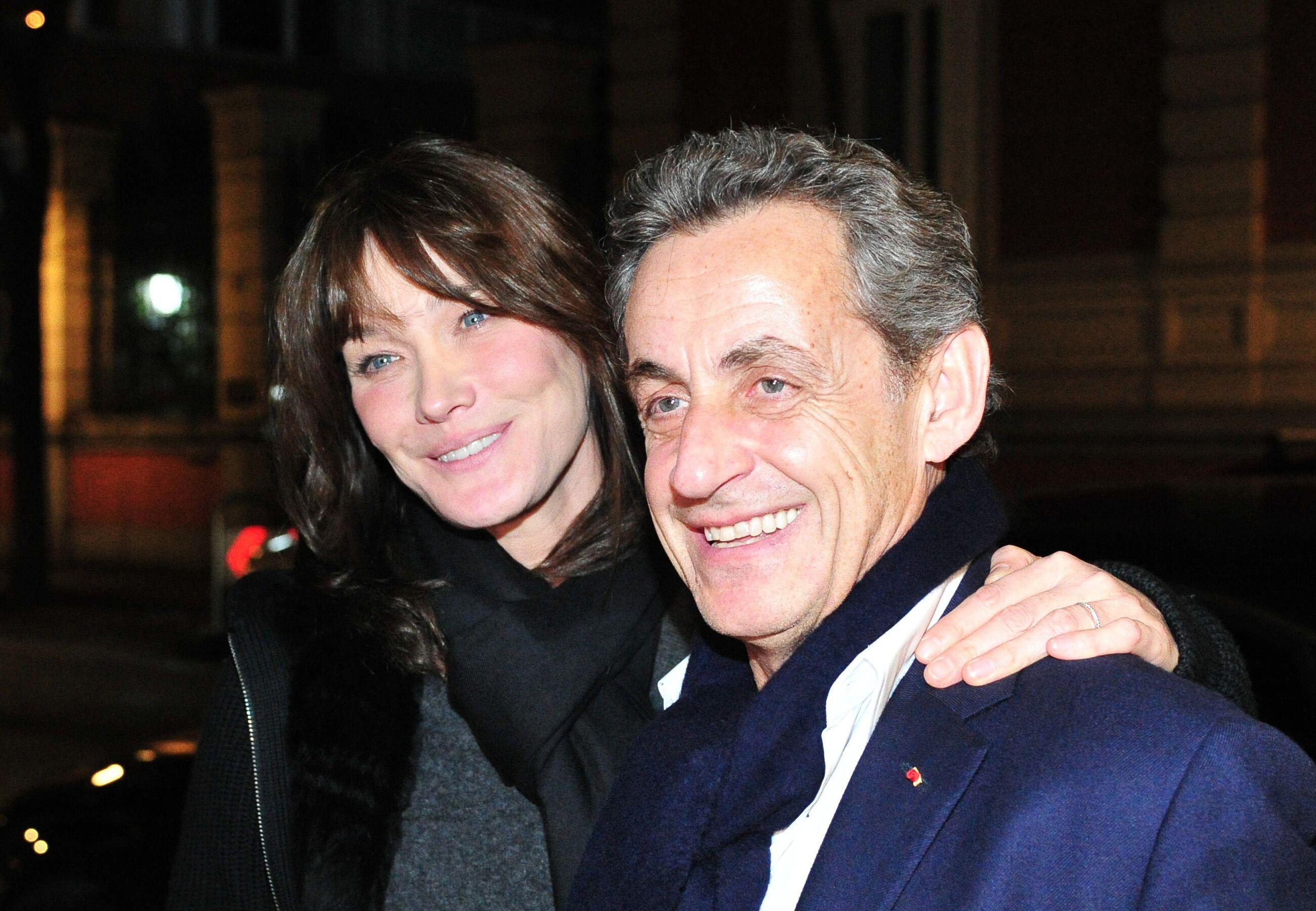 Carla Bruni et Nicolas Sarkozy : cette photo de leur mariage qui n'a jamais été dévoilée