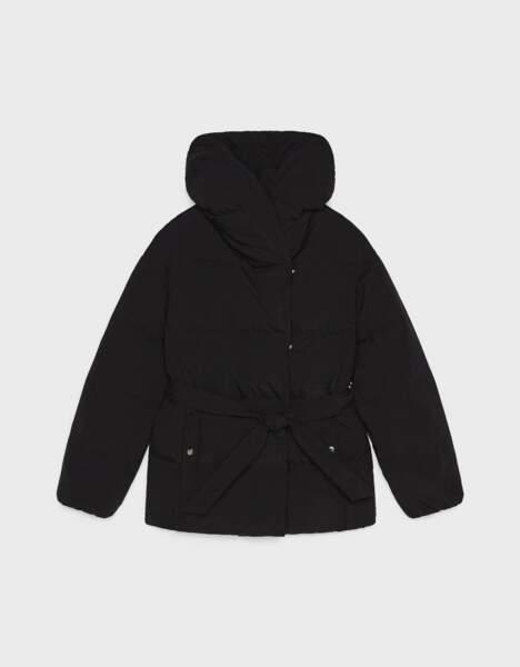 Manteau façon doudoune ceinturé, Bershka, 45,99€