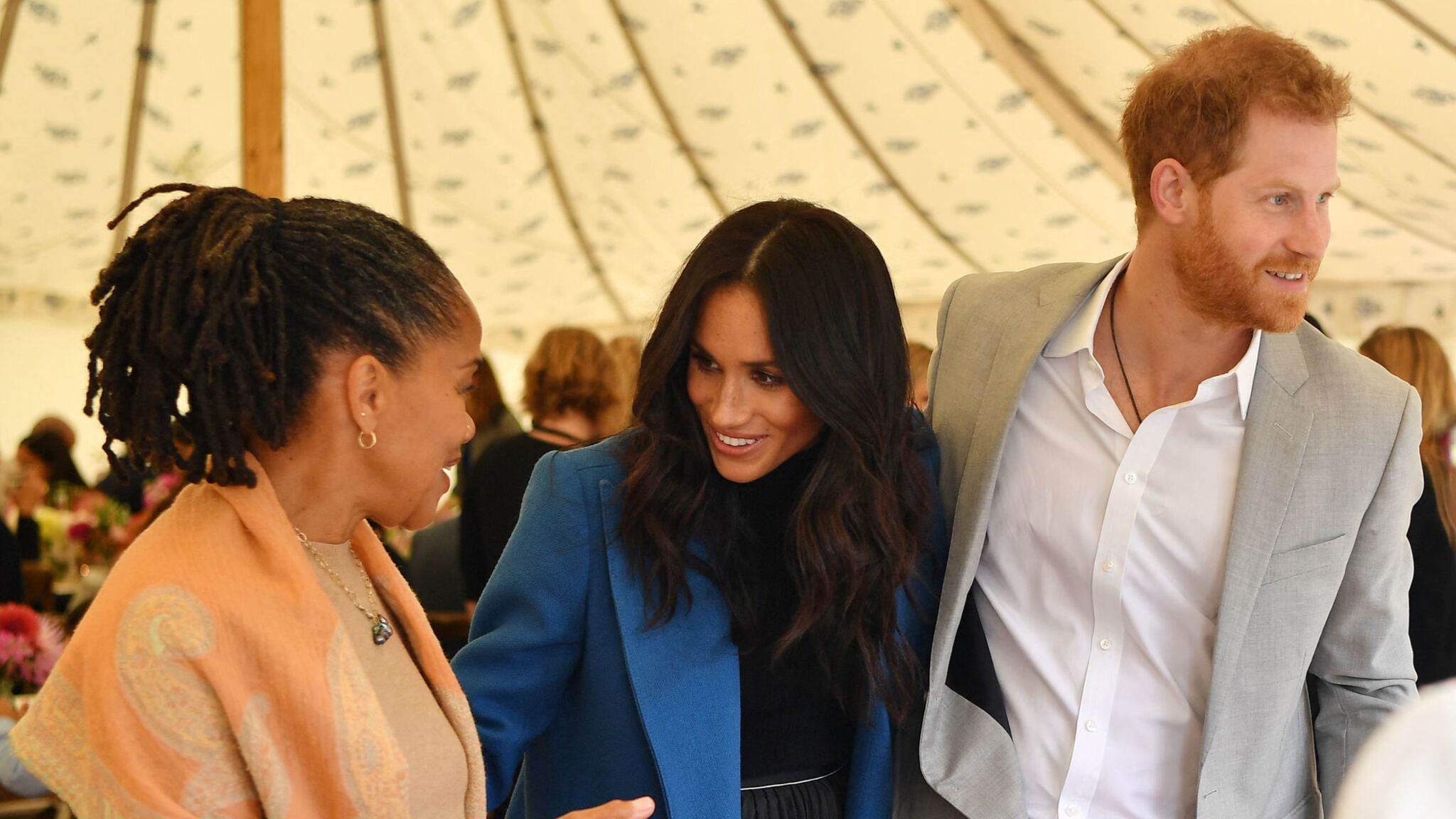 Harry et Meghan se coupent un peu plus de la famille royale : leur décision surprenante pour Noël