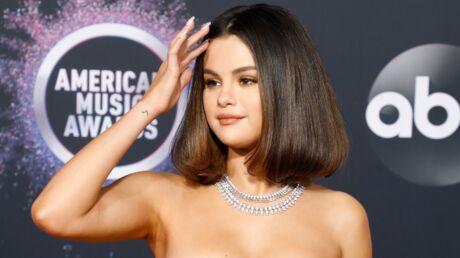 Selena Gomez – Deux coiffures en une soirée, elle l'a fait!
