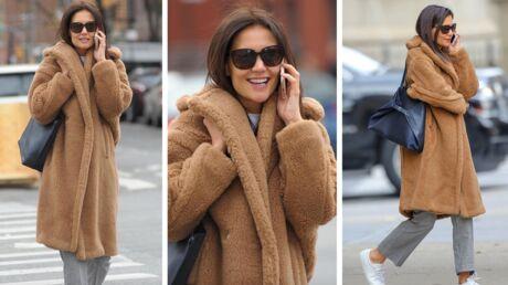 Katie Holmes: on craque pour son manteau en fausse fourrure