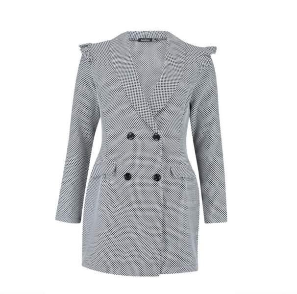 Robe blazer épaules bouffantes, Boohoo, actuellement à 31€