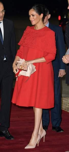 Son total look rouge lors de son arrivée à Casablanca en février