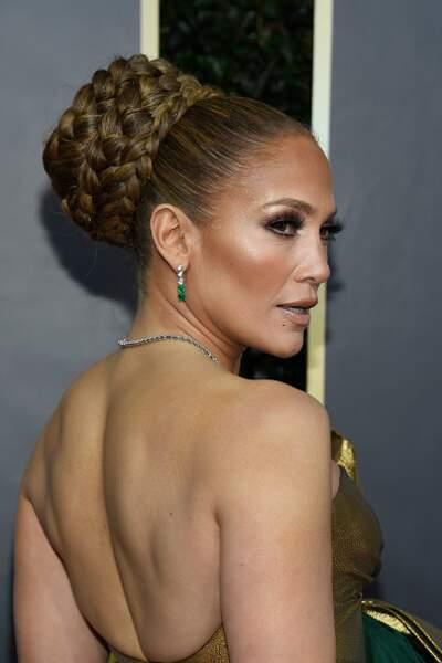 Le chignon XXL tressé de Jennifer Lopez
