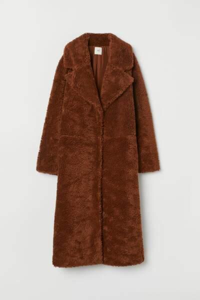 Manteau long en peluche, H&M, 49,99€ au lieu de 79,99€