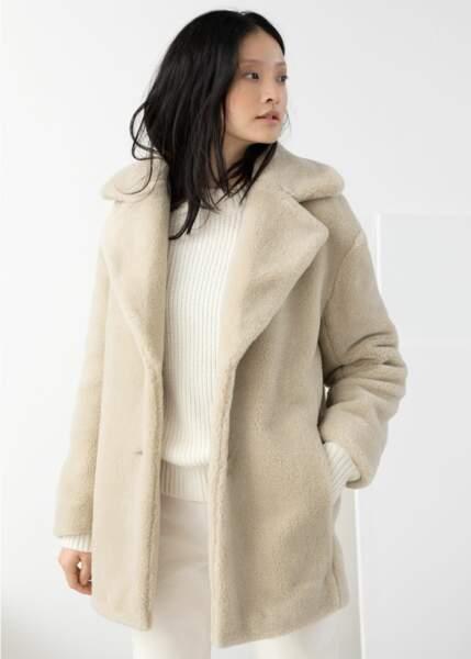 Manteau en fausse fourrure, And Other Stories, 79€ au lieu de 149€