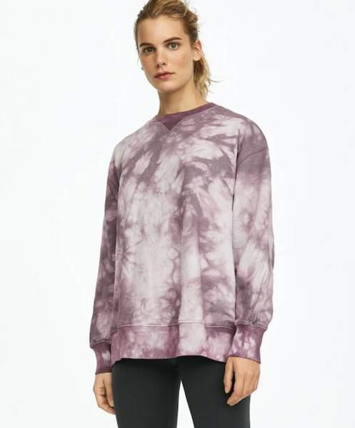 Sweat tie dye, 29,99 € (prix non soldé : 39,99€), Oysho-Sport.