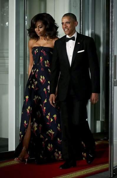 Michelle Obama et sa robe bustier à l'imprimé fleuri