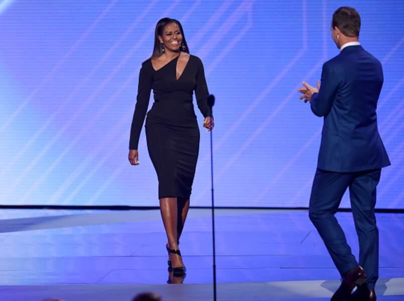 Michelle Obama et sa robe noire asymétrique