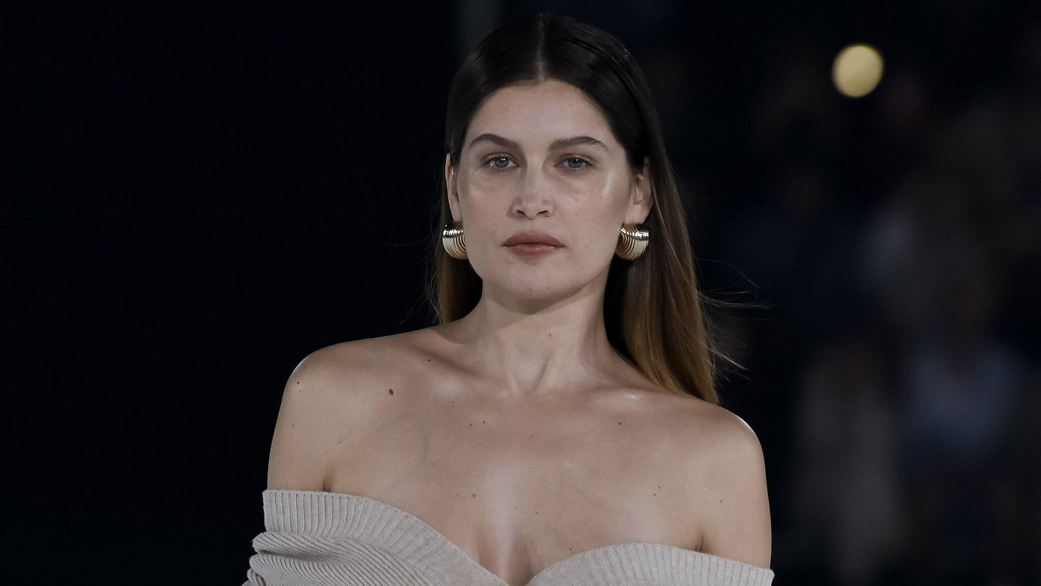 PHOTO Après dix ans d'absence, Laetitia Casta remonte sur un podium… dans une tenue très sexy
