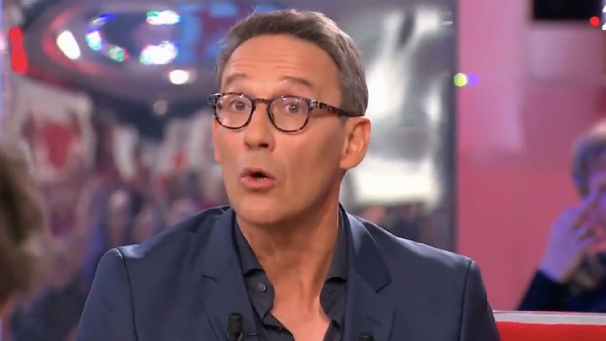 VIDEO Vivement dimanche : Julien Courbet tacle son ancien collègue Benjamin Castaldi