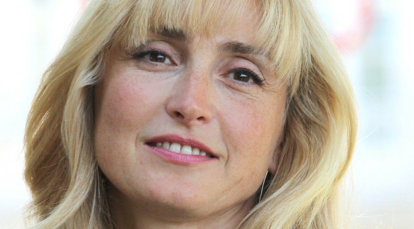 Julie Gayet au casting d'une série pour TF1 : pourquoi elle sera « parfaite »