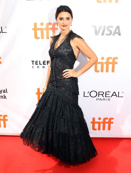 Don't : Penélope Cruz avec sa robe un peu trop vintage