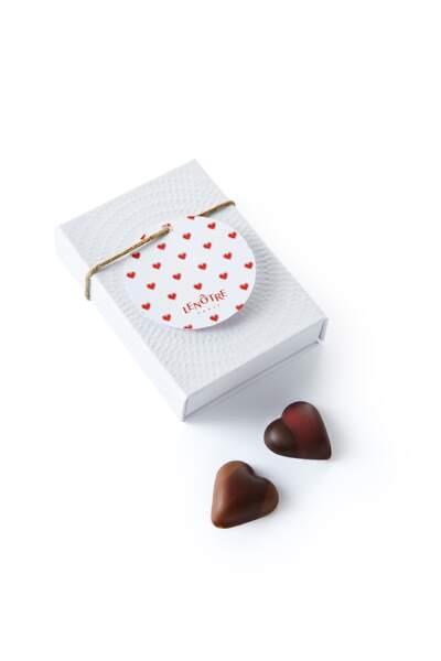 Coffret de 6 coeurs en chocolat, Lenôtre, 12 €