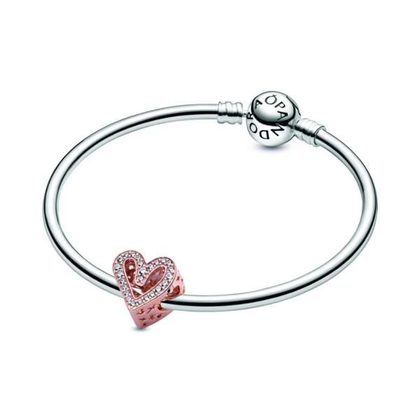 Bracelet Jonc Pandora Moment avec son charm esquisse de coeur scintillant, Pandora, 118 € (59 € le bracelet et 59 € le charm)