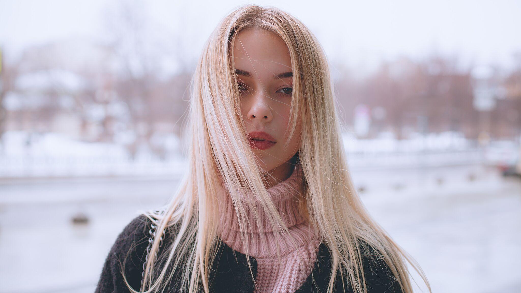 Cheveux : comment bien entretenir son blond