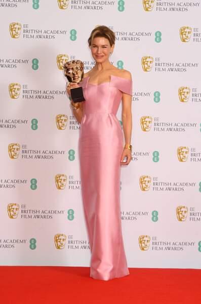 Renée Zellweger dans une robe rose Prada