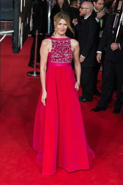 Laura Dern dans une tenue flashy Valentino