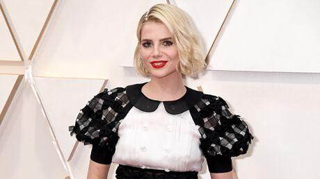 Oscars 2020: Cette technique surprenante pour faire tenir la coiffure de Lucy Boynton