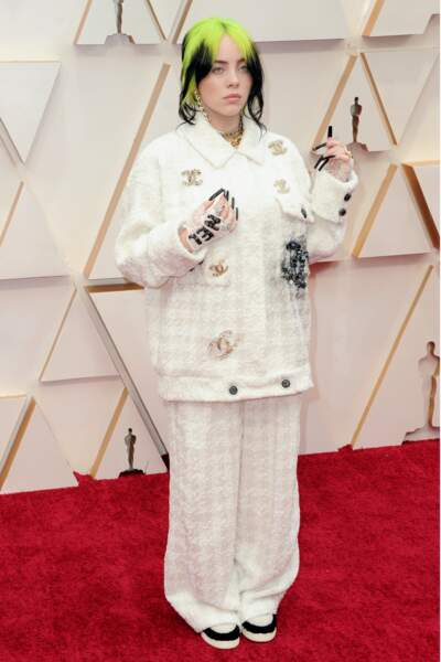 Do : Billie Eilish chic dans son ensemble Chanel