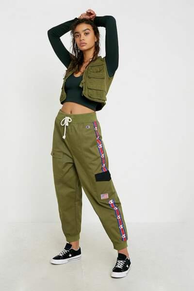 Pantalon de jogging cargo, Champion sur Urban Outfitters, actuellement à 80,50€