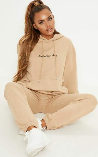 Pantalon de jogging couleur sable, PrettyLittleThing, 32€