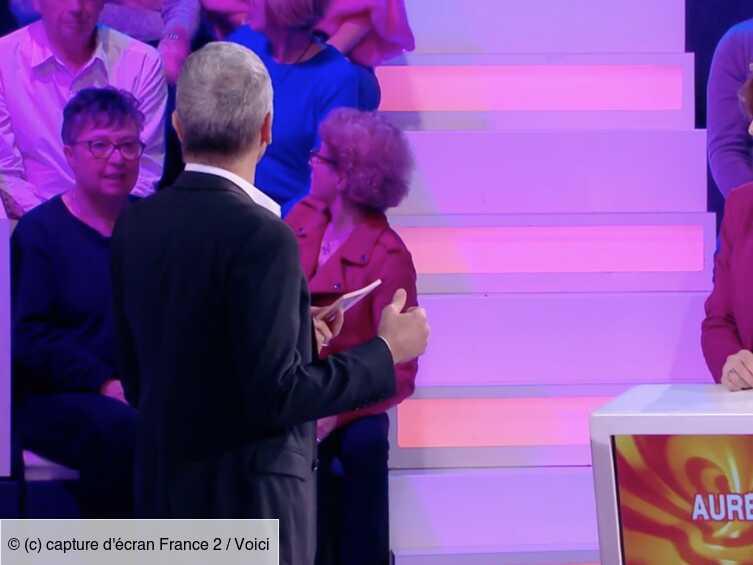 VIDEO Tout le monde veut prendre sa place : Nagui recadre une femme un peu trop bavarde dans le public - Voici