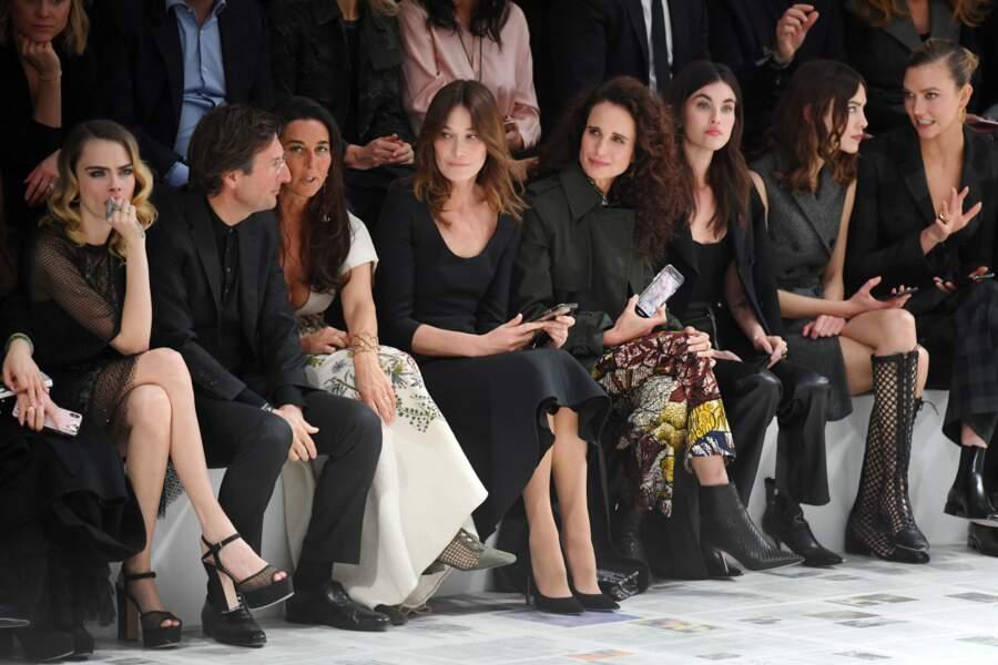 Fashion Week - Cara Delevingne, Carla Bruni Sarkozy, Andie MacDowell, Alexa Chung, Rainey Qualley et Karlie Kloss au premier rang du défilé Dior automne-hiver 2020/2021