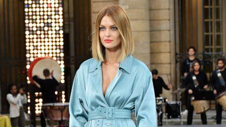 Caroline Receveur: on veut son total look bleu, mais en moins cher