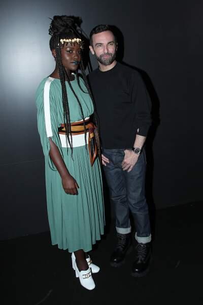 Défilé Vuitton : on adore Lupita Nyong'o et sa robe bleu canard