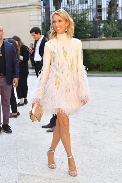 Do Céline Dion : le look preppy et léger