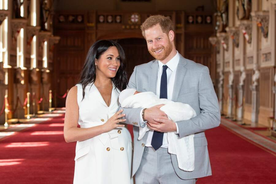 Harry et Meghan présentent leur fils Archie Harrison Mountbatten-Windsor