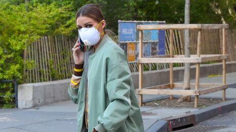Boutons, rougeurs… Comment éviter les problèmes de peau liés au port du masque?