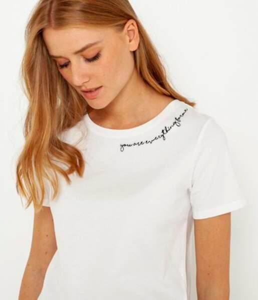T-shirt brodé au niveau du col, Camaïeu, actuellement à 9.09€