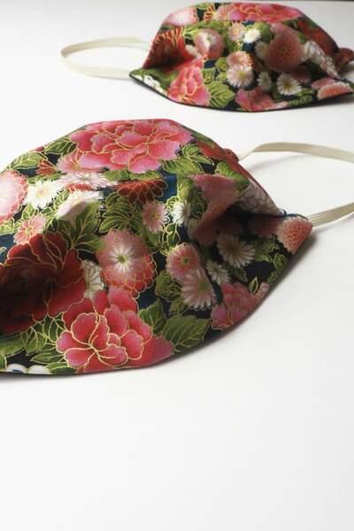 Masque alternatif imprimé fleuri, confectionné sur commande, Clotilde JD Faure, 15€