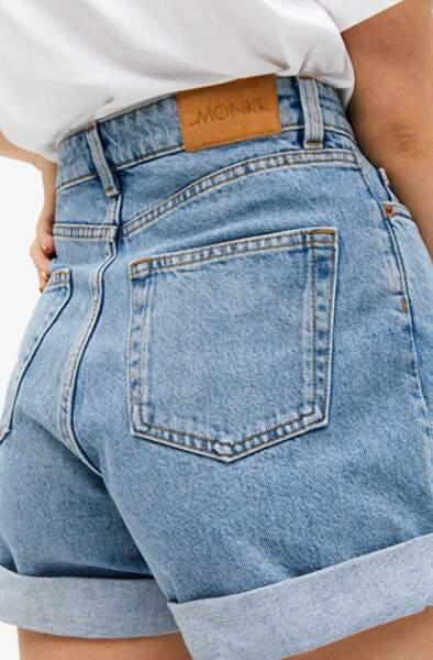 Short en jeans taille haute, Monki, 25€