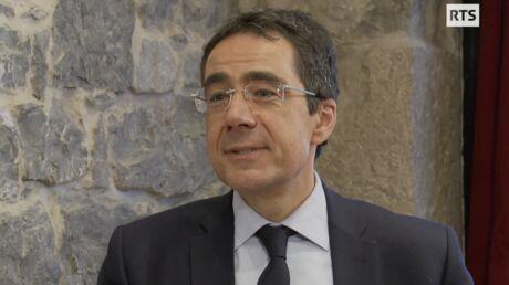 Qui est Darius Rochebin, le journaliste star de la RTS qui rejoint LCI?