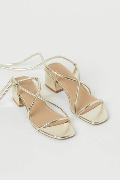 Sandales dorées, H&M, 17,99€