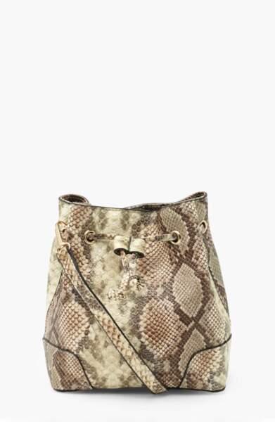 Sac seau motif python, Boohoo, actuellement à 19,20€