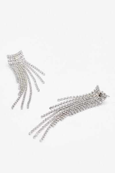 Boucles d'oreilles pendantes avec chaînes et strass, Nasty Gal, actuellement à 7€