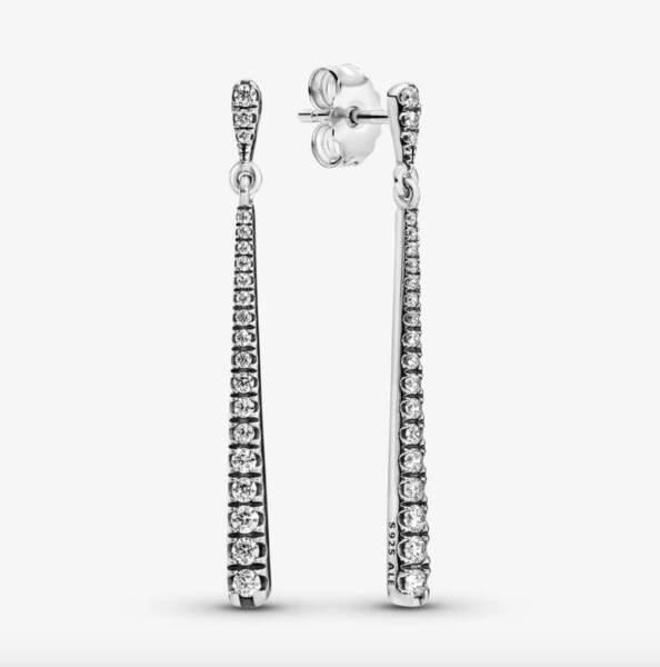 Boucles d'oreilles pendantes avec pierres scintillantes, Pandora, 79€