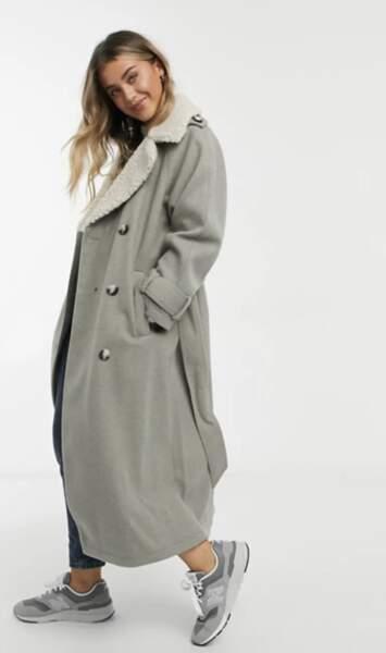 Manteau long à ceinture et col imitation peau de mouton, ASOS Design, 93,99€