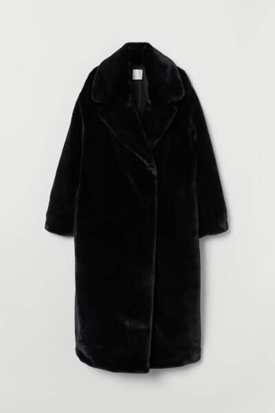 Manteau noir en fausse fourrure, H&M, 69,99€