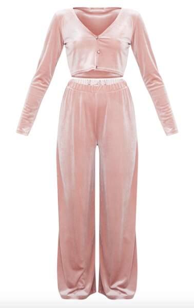 Ensemble de pyjama velours rose pâle, PrettyLittleThing, actuellement à 25€