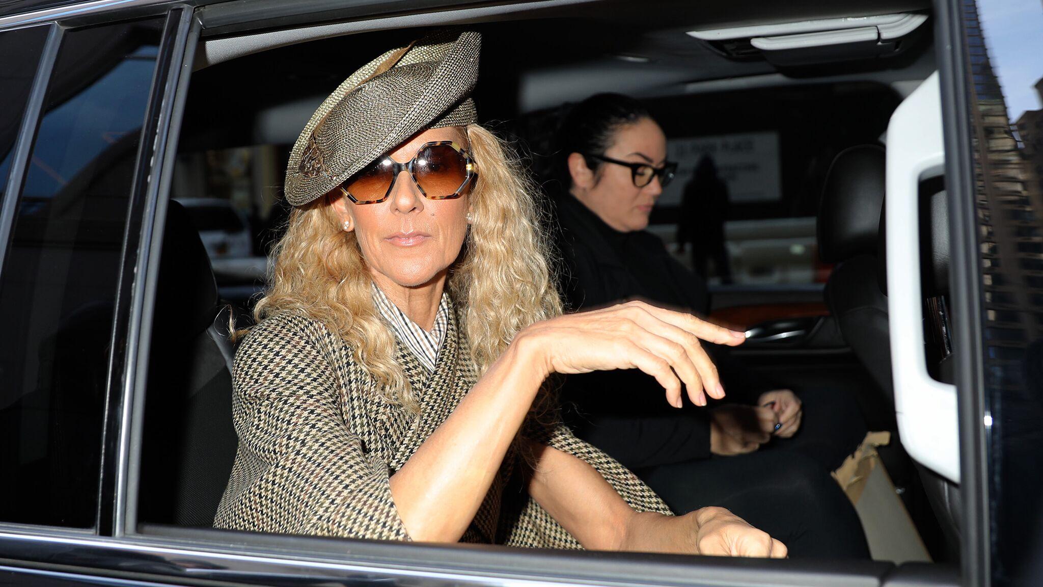 Celine Dion Chignon Cheveux Boucles Les 5 Coiffures A Lui Piquer Voici