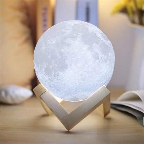 CANCER / Lampe lune féerique 18cm, Nature et découvertes, actuellement à 64,99€