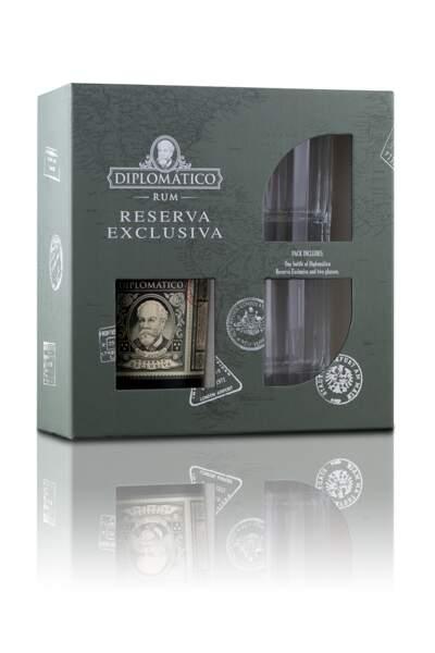 """Coffret dégustation """"Perfect Serve"""", contient deux verres Old Fashioned et une bouteille de rhum Reserva Exclusiva, Diplomatico, 39 €"""
