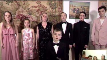 «Je m'en fous que la famille Pierrafeu soit catho»