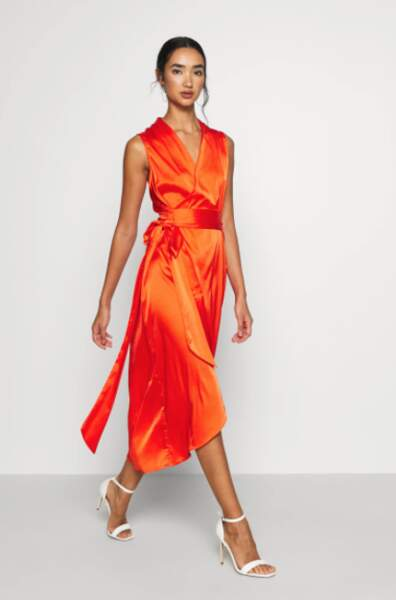 Robe en satin cache coeur, Never Fully Dressed, actuellement à 80,95€